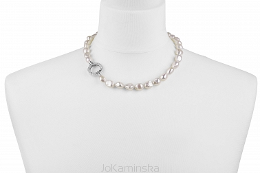 White Boroque Pearl Necklace